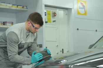 Farbtonmessung am Fahrzeug: Farbtonmessgerät RATIO SCAN | Glasurit