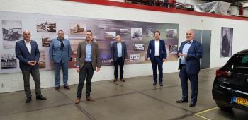V.l.n.r. Ron van Cleef, Hugo van der Velde, Timo Aerts (BASF Coatings Services), Bart Smits, Mark van der Lingen, Willem Prinsen (Koopman Logistics)